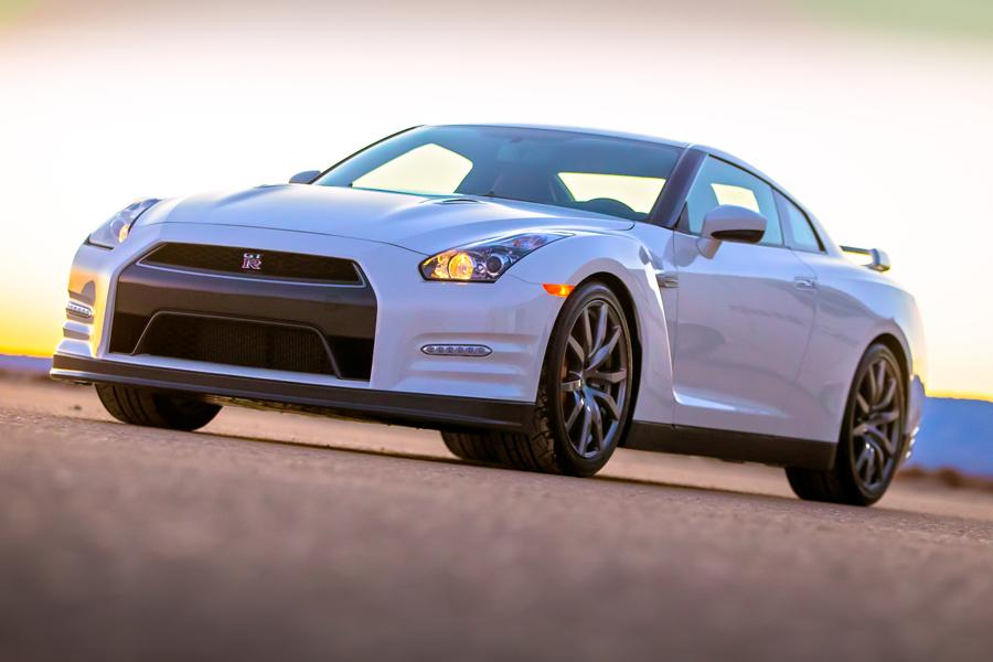 2014 Nissan GT-R Photo 4 of 20