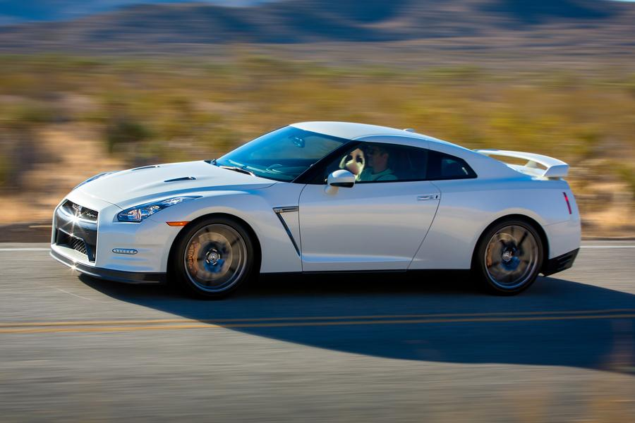 2014 Nissan GT-R Photo 6 of 20