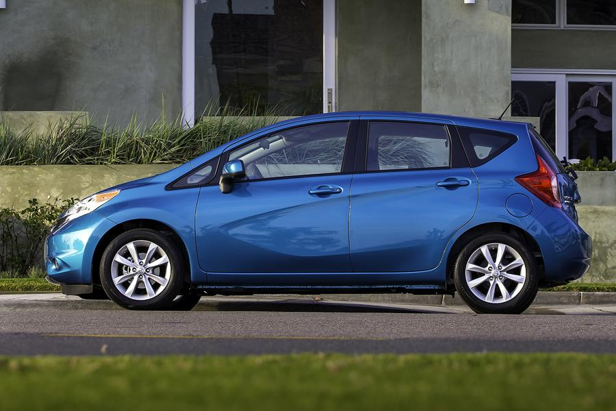 2014 Nissan Versa Note Photo 4 of 40