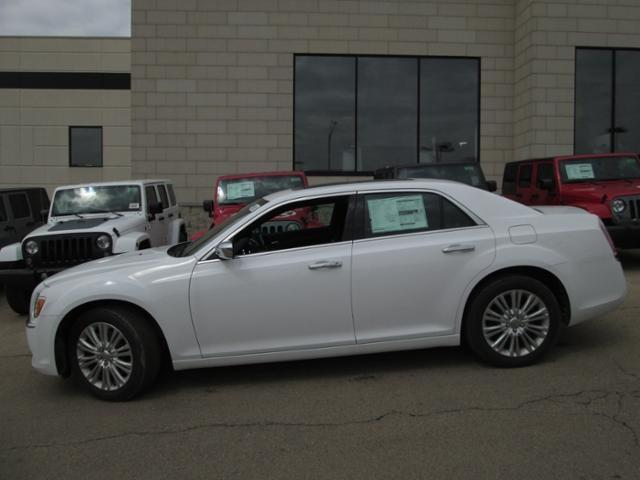 Used 2014 Chrysler 300C Base