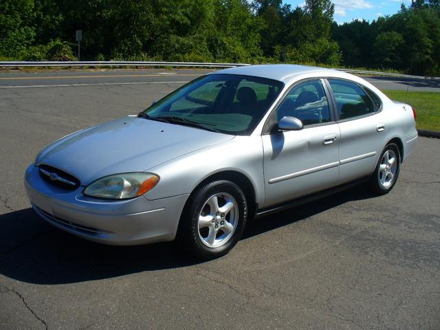 Used 2003 Ford Taurus SE