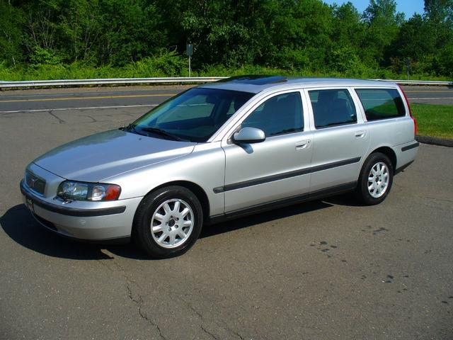 Used 2002 Volvo V70 2.4